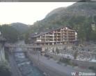 Archiv Foto Webcam Kirchbrücke und Hotel Allalin 00:00