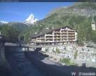 Archiv Foto Webcam Kirchbrücke und Hotel Allalin 02:00