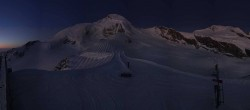 Archived image Webcam View Mountain Restaurant Mittelallalin 00:00