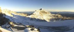 Archiv Foto Webcam Dachstein Gletscher: Panoramablick von der Bergstation 02:00