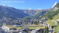 Archiv Foto Webcam Zermatt: Blick auf das Dorf 04:00