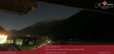 Archived image Webcam View to Neustift and Serles 22:00