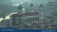 Archiv Foto Webcam Passau: Blick von der Veste Oberhaus auf Donau und Altstadt 13:00