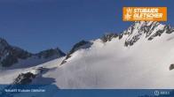 Archived image Webcam Stubai glacier: Daunjoch chair lift 01:00