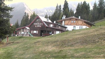 Oberperfuss, mountain restaurant Rosskogelhütte